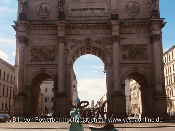 Vespa loves Munich