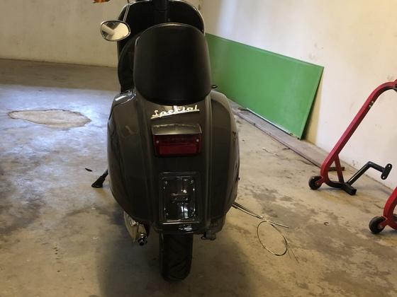Kawitzi's Garage…