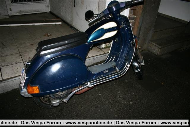 vespa 003 (Small).JPG