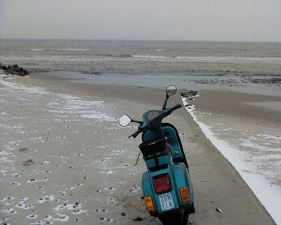 Sylles Scooter am Beach