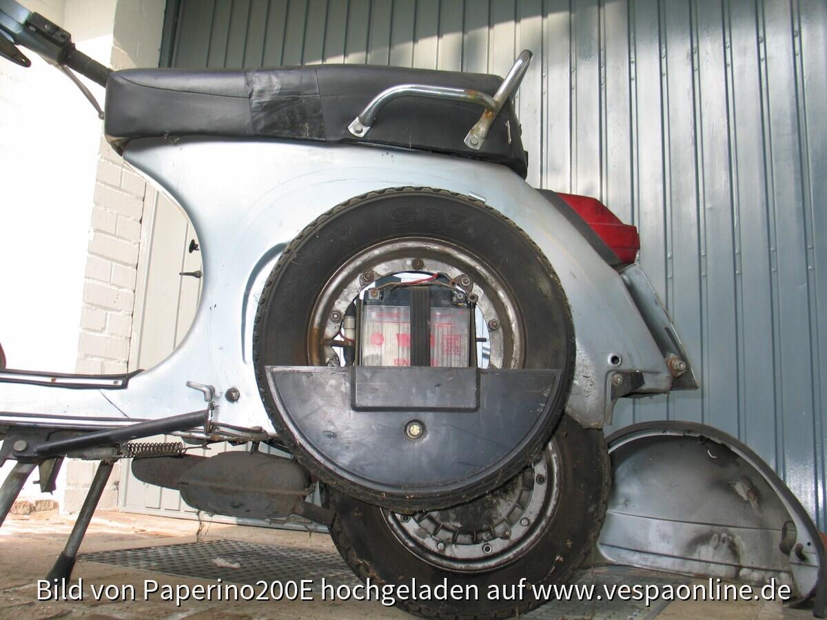 2009-10-30 Vespa vor erster Wäsche (nach erstem Rostabschliff)030