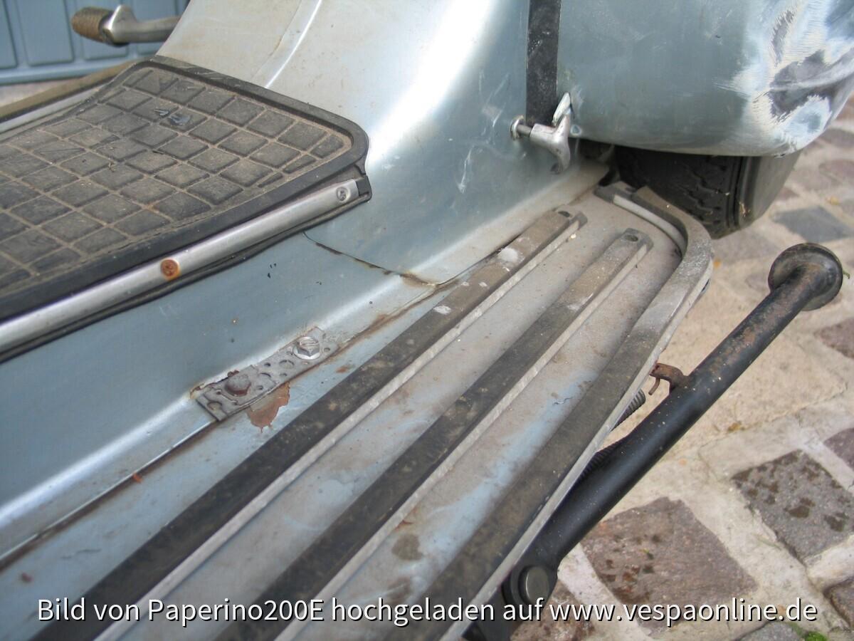 2009-10-30 Stephan und Vespa vor erster Wäsche (nach erstem Rostabschliff)017~1