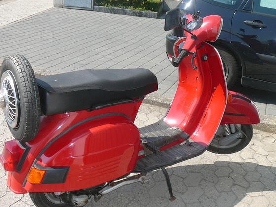 Bajaj Chetak 150 ( Lizenz-Bau der Vespa PX 150 aus Indien )
