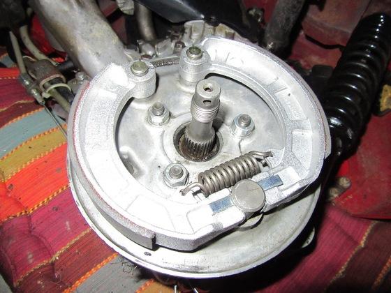 Bremsbeläge erneuert