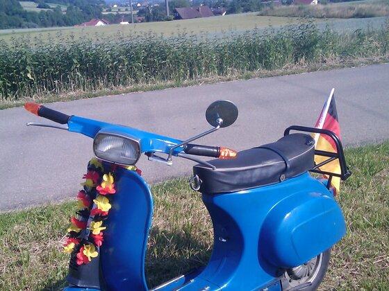 Vespa im Deutschlandlook