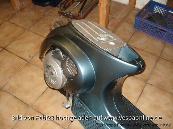 Vespa V50 005.jpg