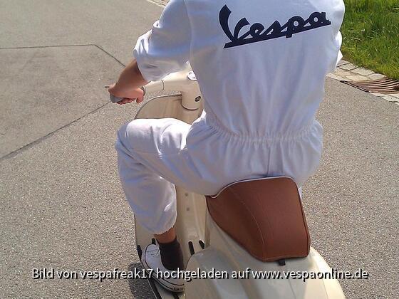 Vespa-Mechaniker auf Probefahrt ;-)