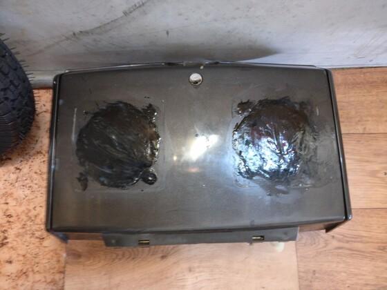 Boxen raus - Würth 2K Klebstoff rein - Schleifen Schleifen Schleifen